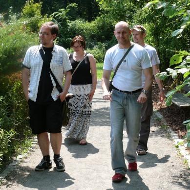 Redakcje zaprzyjaźnionych tytułów na spacerze alejkami opolskiego ZOO