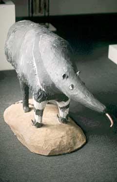 Mrówkojad - rzeźba drewniana